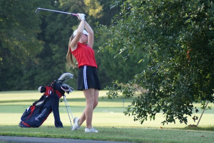 CAL Girls Golf Takes Down Two Regional Rivals!